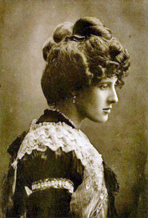 Judith Anne Dorothea Blunt-Lytton, 16th Baroness Wentworth
